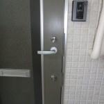 玄関ドアダブル錠