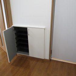 下駄箱・建具新品(玄関)